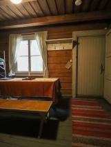 4hlön huone